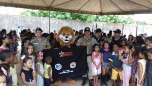 Ação do Dia das Crianças em Augustinópolis_300.jpg