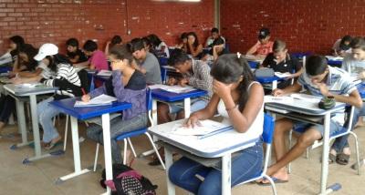 Estudantes realizam simulado de língua portuguesa e matemática como preparação para Prova Brasil