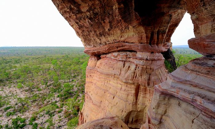 Formação de rocha arenita, atrativo do Arco do Sol encanta pela paisagem cênica