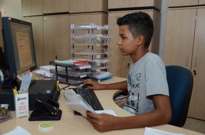 Oitenta estudantes trabalham no Detran da capital e nas Ciretrans no interior do Estado