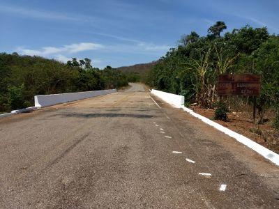 Ponte sobre o córrego Buritizal, TO-387 trecho São Salvador a Palmeirópolis , limpa e pintada