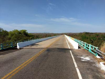 Ponte sobre o rio Paranã, na TO-387 foi limpa e pintada