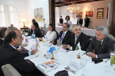 Chefes de Executivo de 15 unidades da Federação reuniram-se na Residência Oficial de Águas Claras, em Brasília(DF)