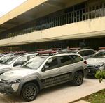 Os carros foram adaptados para a condução de detentos