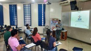 O Programa Direção ao Trabalho foi apresentado aos representantes de auto escolas da cidade