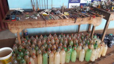 Parte de material encontrada em unidades prisionais durante operação desta quinta-feira, 09.