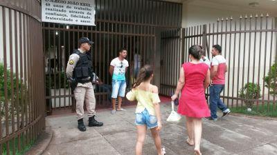 Polícia Militar presente em uma das unidades de aplicação de provas do Enem_400.jpg