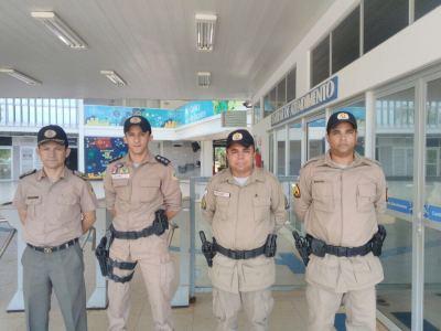 Comandante-geral da PMTO com demais policiais participando pessoalmente da Operação do Enem_400.jpg