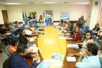 A reunião iniciou no período da manhã e segue durante a tarde com as discussões sobre a gestão educacinoal