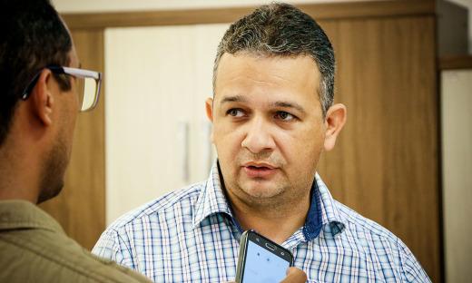 O gerente de uma rede de lojas Cesar Gonçalo é um dos que recebeu a equipe e afirmou ter várias oportunidades para este final de ano