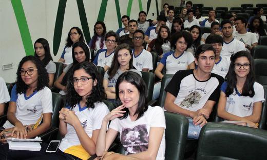 Alunos da rede estadual participam do Seminário Nós Propomos