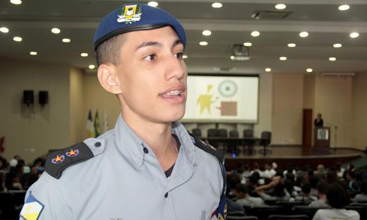 Aluno Eduardo Junqueira do CPM de Araguaína ressalva a importância do projeto para as escolas