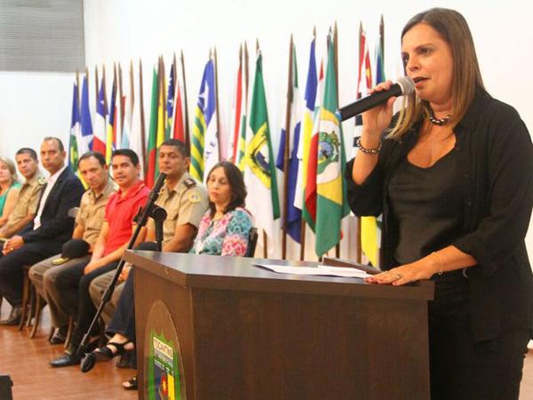 Claudia Lelis ressaltou que a iniciativa do Projeto Trânsito Jovem prepara os estudantes para tornarem-se condutores conscientes e multiplicadores do conhecimento essencial para a segurança no trânsito