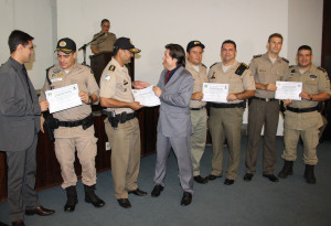 Entrega de certificados de participantes das RCS