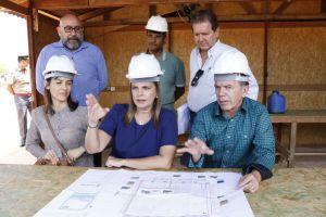 Governadora em exercício visita canteiro de obras do Naturatins_Fotos Ney Carneiro-Governo do Tocantins (1)_300.jpg