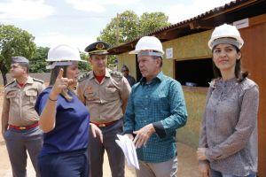 Governadora em exercício visita canteiro de obras do Naturatins_Fotos Ney Carneiro-Governo do Tocantins (4)_300.jpg