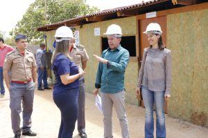 Governadora em exercício visita canteiro de obras do Naturatins_Fotos Ney Carneiro-Governo do Tocantins (6)_300.jpg