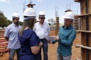 Governadora em exercício visita canteiro de obras do Naturatins_Fotos Ney Carneiro-Governo do Tocantins (8)_300.jpg