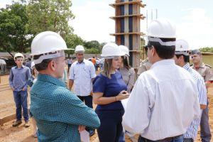 Governadora em exercício visita canteiro de obras do Naturatins_Fotos Ney Carneiro-Governo do Tocantins (10)_300.jpg