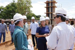Governadora em exercício visita canteiro de obras do Naturatins_Fotos Ney Carneiro-Governo do Tocantins (13)_300.jpg