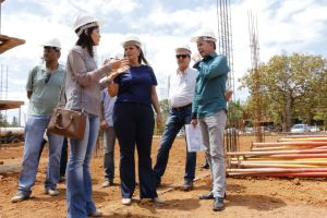 Governadora em exercício visita canteiro de obras do Naturatins_Fotos Ney Carneiro-Governo do Tocantins (15)_300.jpg