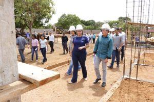 Governadora em exercício visita canteiro de obras do Naturatins_Fotos Ney Carneiro-Governo do Tocantins (16)_300.jpg