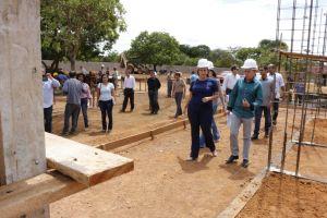 Governadora em exercício visita canteiro de obras do Naturatins_Fotos Ney Carneiro-Governo do Tocantins (18)_300.jpg
