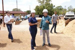 Governadora em exercício visita canteiro de obras do Naturatins_Fotos Ney Carneiro-Governo do Tocantins (19)_300.jpg