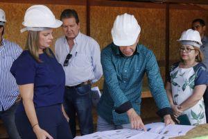Governadora em exercício visita canteiro de obras do Naturatins_Fotos Ney Carneiro-Governo do Tocantins (24)_300.jpg