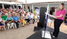 Foram entregues 250 títulos registrados de imóveis para os moradores dos Aurenys, na região sul de Palmas