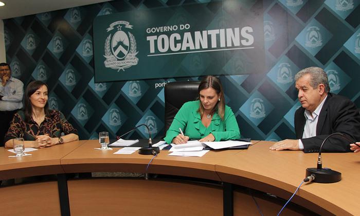 Governadora em exercício assinou na tarde desta sexta-feira,17, o decreto que cria o Comitê Estadual de Proteção e Defesa dos Animais (Pró-Animais)