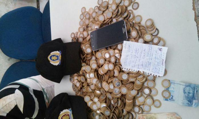 Moedas recuperadas pela PM em Tocantinópolis_700x420.jpg