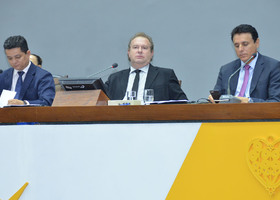 Na matéria relatada pelo deputado José Bonifácio (PR), concede ao Executivo a margem de 5% para o remanejamento orçamentário sem a permissão prévia da Assembleia