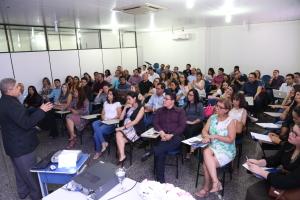 Secretário da Seciju, Glauber de Oliveira duante abertura da 3ª reunião internuclear do Procon-TO - foto Ademir dos Anjos.JPG
