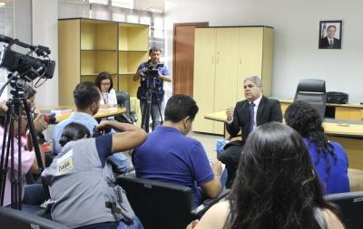 Coletiva de imprensa para esclarecer transição aconteceu no gabinete do secretário Glauber de Oliveira.