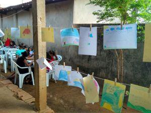 No varal literário foi exposta as atividades das crianças