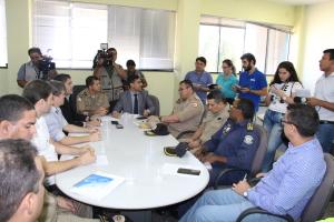 Polícia Militar participa de coletiva de imprensa com outras forças de segurança.JPG