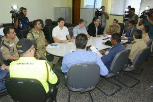 Forças de segurança Estaduais e Municipais reunidas para divulgação da Operação Paz Social.jpeg