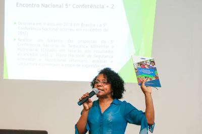 Dra. Ana Lúcia Pereira trouxe conjuntura nacional da política de SAN.