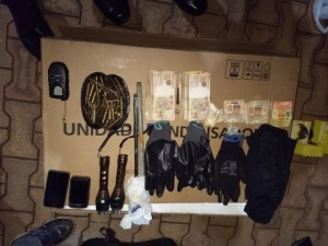 Dinheiro e materiais apreendidos com suspeitos do furto ao caixa eletrônico da UFT_300.jpg