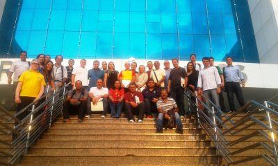 Ana Paula Ribeiro de Almeida, da Seduc (D),  durante reunião em Porto Velho