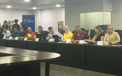 Ana Paula (D) durante reunião de gestores estaduais dos Jogos Escolares da Juventude  em Rondônia - Divulgação_400.jpg