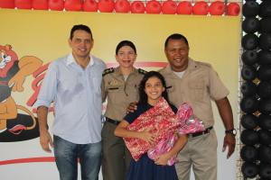 Luiz Coelho estava extramente feliz com a certificação da filha no Proerd.JPG