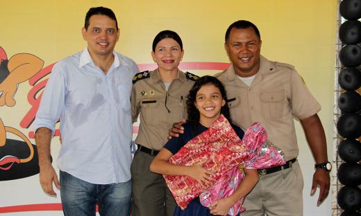 Luiz Coelho estava extramente feliz com a certificação da filha no Proerd