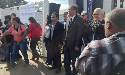 O Governador Marcelo Miranda já está, desde as 8 horas, em Miracema do Tocantins, de onde despacha e comanda diversas ações que serão disponibilizadas por diversos órgãos do Governo