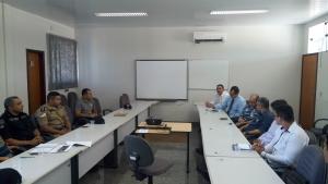 Policiais Militares durante reunião com membos de empresas de segurança privada e transporte de valores_300.jpg