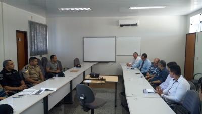Policiais Militares durante reunião com membos de empresas de segurança privada e transporte de valores_400.jpg
