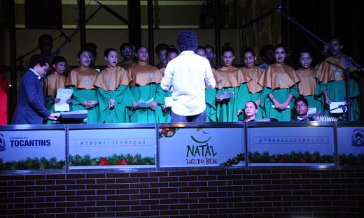 """Na oportunidade, o governador prestigia as apresentações da Cantata, como parte da programação da segunda edição da campanha """"Natal Luz do Bem"""""""