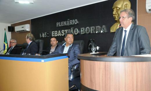 A sessão especial da Assembleia Legislativa, realizada no Plenário Deputado Sebastião Borba da Câmara Municipal, em Miracema do Tocantins