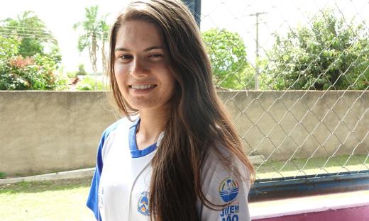 Quem também se sente feliz em viver na pequena cidade tema de música famosa é a estudante, Ana Paula Franco, de 19 anos